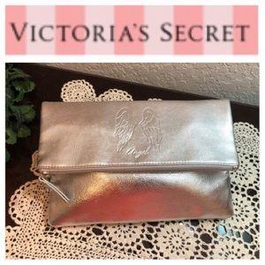 VICTORIA'S SECRET CLUTCH 💞